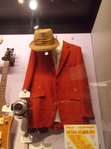 Sam Cooke's coat and hat. One word - stylin'.
